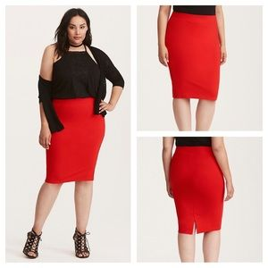 🆕 Torrid Red Ponte Pencil Skirt Size 0 NWT